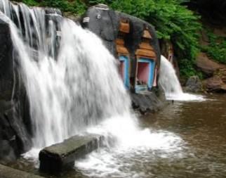 Kalhatti waterfalls